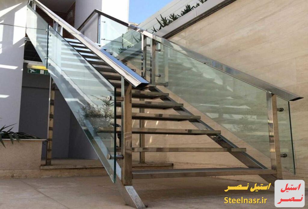 آشنایی با پله های استیل
